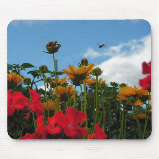 Bee and flowers mouse mat
