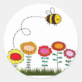 Bee Buzzing a Flower Garden Classic Round Sticker