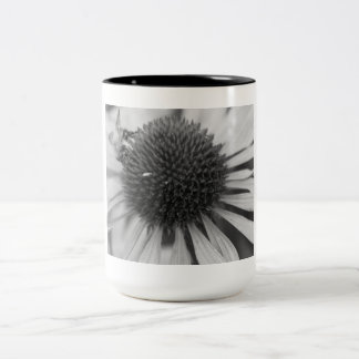 Bee Collecting Pollen Mug
