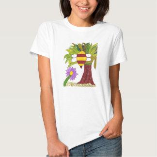 Bee Flying T-shirt