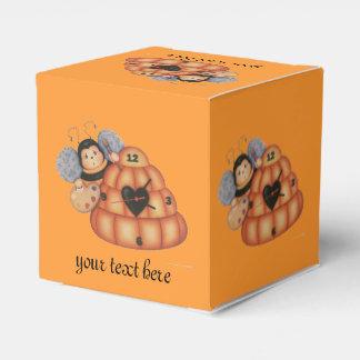 BEE HIVE FAVOR BOX