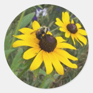 bee on flower classic round sticker