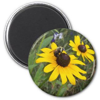 bee on flower magnet