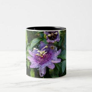 Bee Passion Two-Tone Coffee Mug
