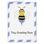 BeeBee manosea la tarjeta de felicitación de la ab