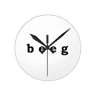 beeg round clock