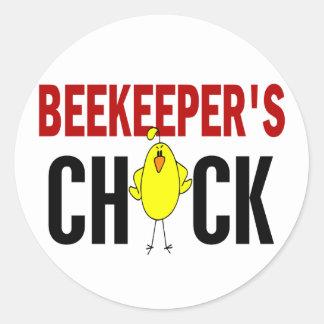BEEKEEPER'S CHICK CLASSIC ROUND STICKER