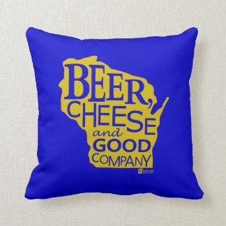 Beer Cheese & Good Company Du tonto Designs WI Almohada