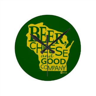 Beer Cheese & Good Company Du tonto Designs WI Reloj Redondo Mediano