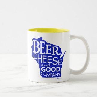 Beer Cheese & Good Company Du tonto Designs WI Taza De Dos Tonos