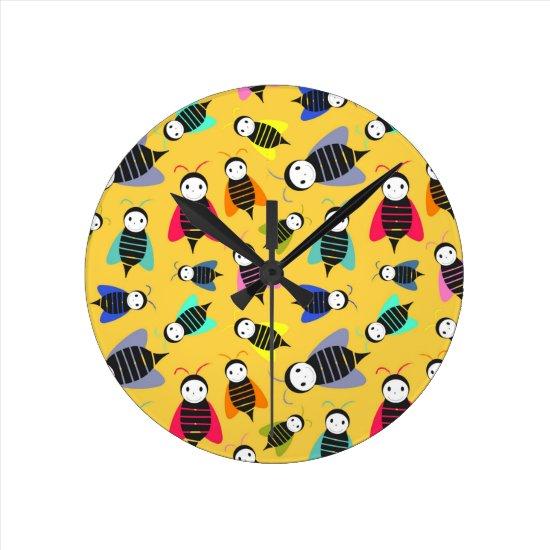 bees animal pattern round clock