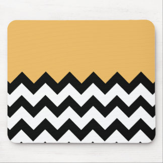Beeswax-On-Black-&-White-Zigzag-Pattern Mouse Pad