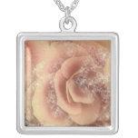 Begonia hermosa, melocotón rosado floral, collar