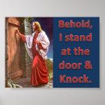 Behold, me coloco en la puerta y golpeo posters