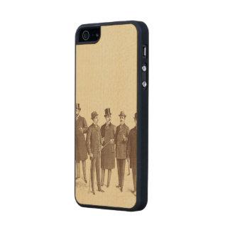 Beige de Brown de los 1800s de la moda de los Funda De Arce Carved® Para iPhone 5 Slim