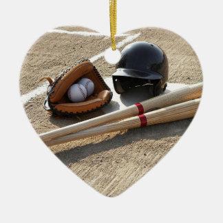 Béisbol 11 adorno navideño de cerámica en forma de corazón