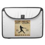 Béisbol 1898 de Fort Collins Colorado Funda Para Macbooks