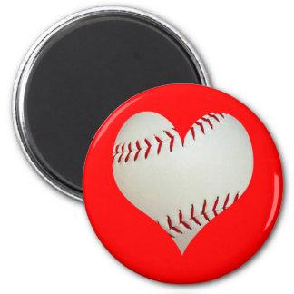 Béisbol americano en una forma del corazón imán redondo 5 cm
