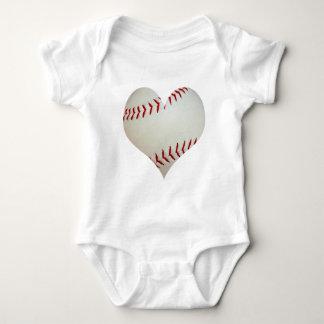Béisbol americano en una forma del corazón playeras