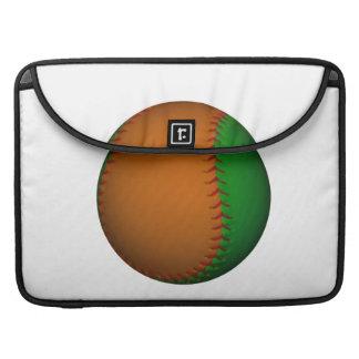 Béisbol anaranjado y verde funda para macbook pro