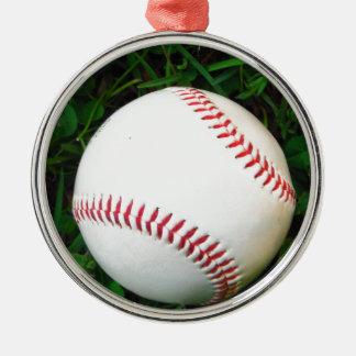 Béisbol blanco con la costura roja adorno navideño redondo de metal