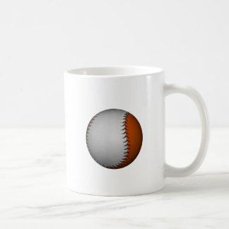 Béisbol blanco y anaranjado taza básica blanca