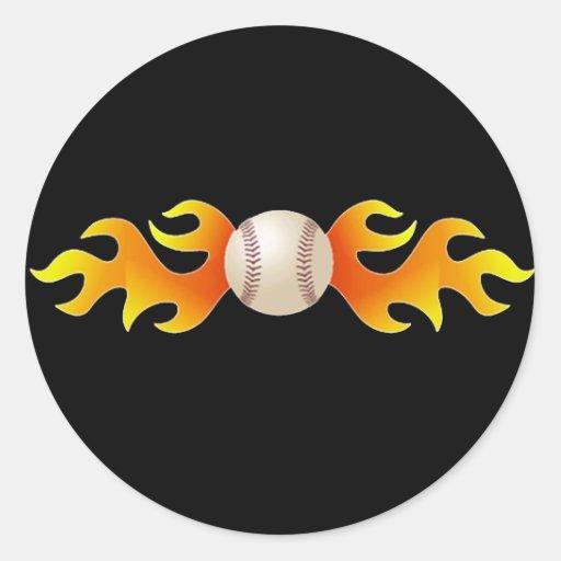 Béisbol con las llamas pegatina redonda