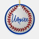 Béisbol con las puntadas y el árbitro rojos ornamentos de navidad