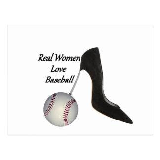 Béisbol del amor de las mujeres reales tarjeta postal