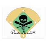 Béisbol del pirata con el fondo del campo postal