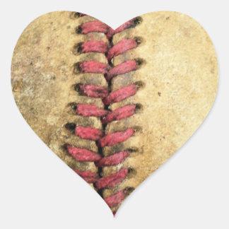 Béisbol del vintage pegatina en forma de corazón