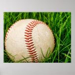 Béisbol en la hierba del verano poster