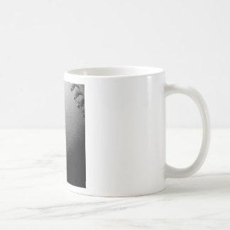 Béisbol negro y blanco del primer taza de café