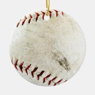 ¡Béisbol o softball - sucio y amado bien! Adorno Navideño Redondo De Cerámica