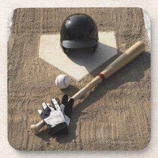 Béisbol, palo, guantes de bateo y béisbol posavasos