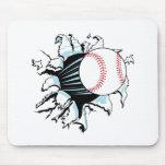béisbol potente que rasga a través tapetes de raton