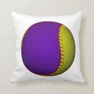 Béisbol púrpura y amarillo almohadas