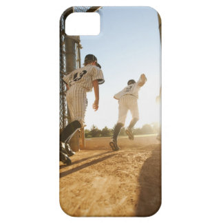Béisbol que entra de los jugadores de béisbol funda para iPhone SE/5/5s