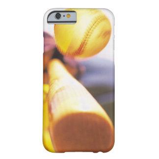 Béisbol que entra en contacto con del palo funda barely there iPhone 6