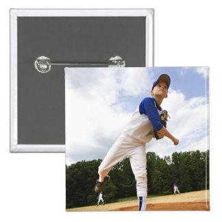 Béisbol que lanza de la jarra joven del montón pin cuadrado