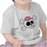 Béisbol rosado del cráneo y de la bandera pirata camisetas