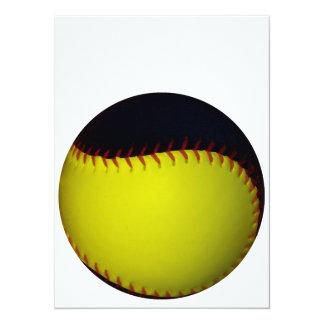 """Béisbol/softball amarillos y negros invitación 5.5"""" x 7.5"""""""