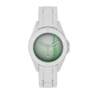 Béisbol verde claro de las puntadas reloj