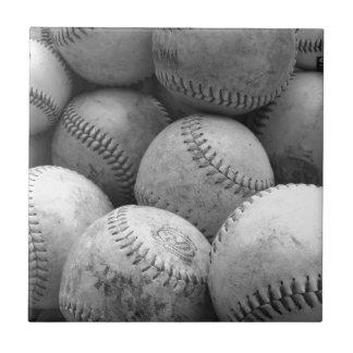 Béisboles del vintage en blanco y negro azulejos