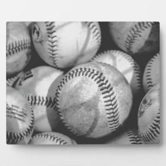 Béisboles en blanco y negro placa de plastico