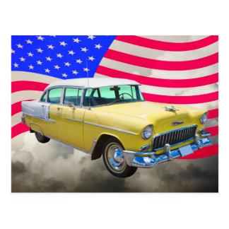 Bel Air 1955 de Chevrolet con la bandera americana Postales