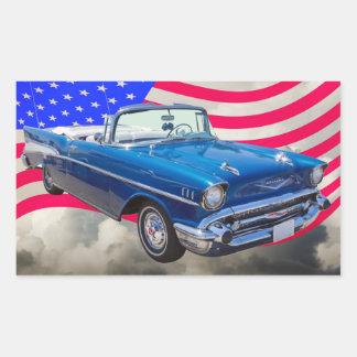 Bel Air 1957 de Chevrolet con la bandera americana Pegatina Rectangular