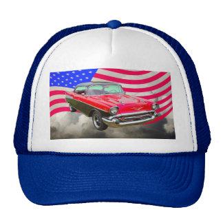 Bel Air 1957 de Chevrolet y bandera americana Gorras