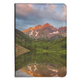 Belces marrón reflejan en el lago marrón tranquilo funda de kindle touch