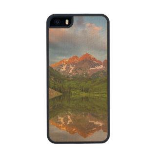 Belces marrón reflejan en el lago marrón tranquilo funda de madera para iPhone 5